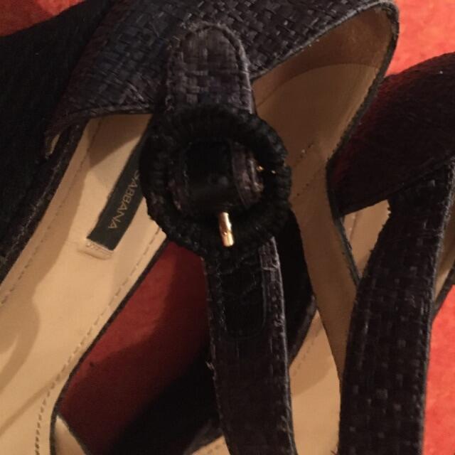 DOLCE&GABBANA(ドルチェアンドガッバーナ)のドルチェandガッパーナビジューサンダル レディースの靴/シューズ(サンダル)の商品写真