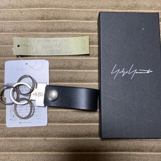 ヨウジヤマモト(Yohji Yamamoto)の《新品》YohjiYamamoto キーホルダー(キーホルダー)