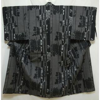男浴衣 黒とグレーの縦縞に菊 変わり織り(浴衣)