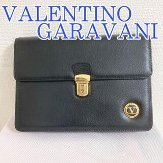 ヴァレンティノガラヴァーニ(valentino garavani)のVALENTINO GARAVANI ヴァレンティノ クラッチ バッグ 黒 本革(セカンドバッグ/クラッチバッグ)