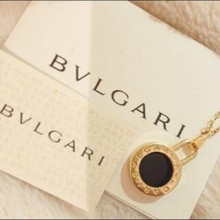 ブルガリ(BVLGARI)の【正規 未使用】BVLGARI ブルガリ ゴールド×ブラックチャーム ネックレス(ネックレス)