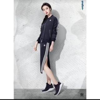 アディダス(adidas)のadidas★アディダス★スリーラインスカート★オールシーズンニットスカート(ひざ丈スカート)
