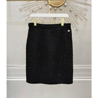 シャネル(CHANEL)の《21SS新作★》CHANEL スカート ツイード 黒 ロゴ 36(ひざ丈スカート)