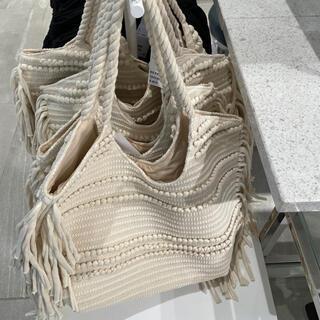 エイチアンドエム(H&M)のコットンフリンジショルダーバッグ(ショルダーバッグ)