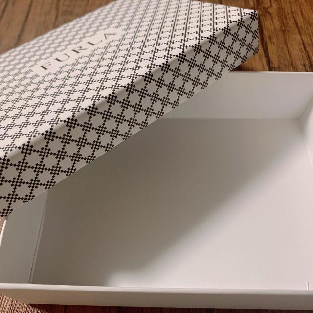Furla(フルラ)のFURLA 財布 箱のみ インテリア/住まい/日用品のオフィス用品(ラッピング/包装)の商品写真