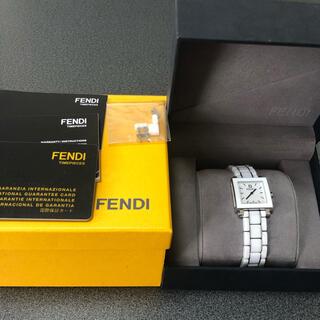 FENDI - フェンディ ホワイトセラミック腕時計クアドロ