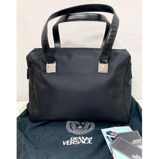 ジャンニヴェルサーチ(Gianni Versace)のヴェルサーチ 黒 ナイロン バッグ 18629202(トートバッグ)