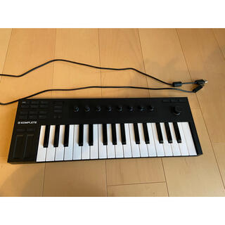 Komplete kontotrol m32(MIDIコントローラー)