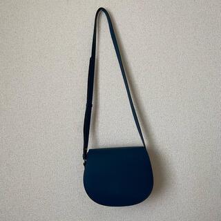 ユニクロ(UNIQLO)のUNIQLO レザータッチ サドルショルダーバッグ(ショルダーバッグ)