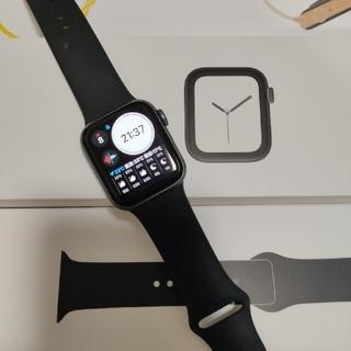アップル(Apple)のApple Watch series 4(腕時計(デジタル))