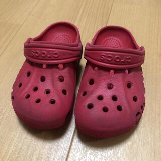 クロックス(crocs)のクロックス 14cm位?赤 中古品(サンダル)
