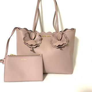 ミュウミュウ(miumiu)のmiumiu ミュウミュウ トートバッグ スカラップ ピンク 花 フラワー(トートバッグ)