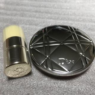 Dior - ディオール スキン ミネラルヌードグロウパウダー 001