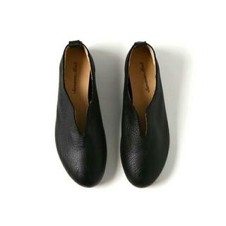 サマンサモスモス(SM2)の新品タグ有 ☆sm2☆ リンネル掲載 センターカットレザーシューズ ブラック(ローファー/革靴)