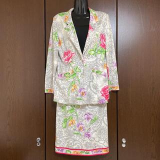 レオナール(LEONARD)の【美品】LEONARD 花柄 スカート セットアップ M(スーツ)