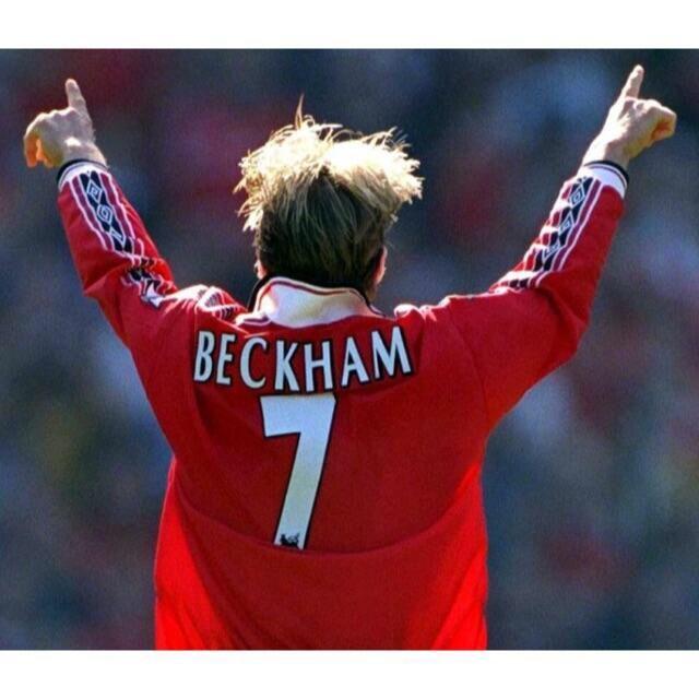 UMBRO(アンブロ)の9様専用 マンチェスターユナイテッド 98/99 ベッカム ホーム ユニフォーム スポーツ/アウトドアのサッカー/フットサル(ウェア)の商品写真