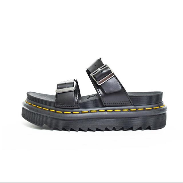 Dr.Martens(ドクターマーチン)の✿ドクターマーチン✿マイルススライド ブラック 黒 27cm【新品未使用品】 メンズの靴/シューズ(サンダル)の商品写真