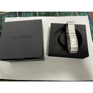 イッセイミヤケ(ISSEY MIYAKE)のイッセイミヤケ 腕時計 V シルバー(腕時計(アナログ))