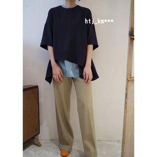 エンフォルド(ENFOLD)のENFOLD 人気完売 構築的なフォルム 贅沢な気持ちになれるリネンライクシャツ(カットソー(半袖/袖なし))