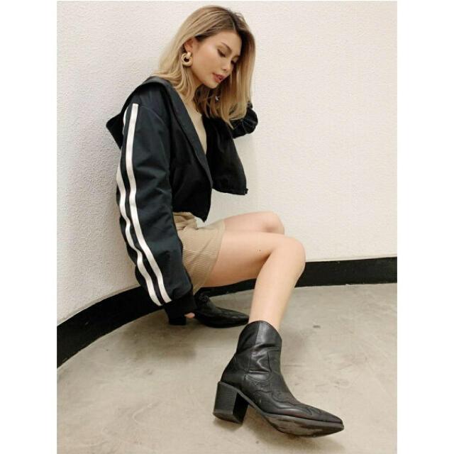 GYDA(ジェイダ)のGYDA ラインショートブルゾン レディースのジャケット/アウター(ブルゾン)の商品写真