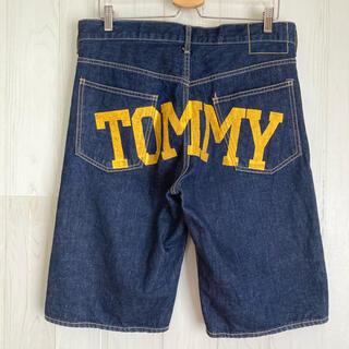トミー(TOMMY)のTOMMY トミー デニムショートパンツ ロゴプリント ジーンズ 古着 日本製(ショートパンツ)