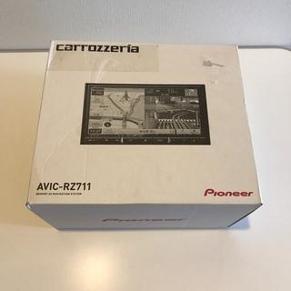 パイオニア(Pioneer)のパイオニア楽ナビ AVIC-RZ711  新品(カーナビ/カーテレビ)