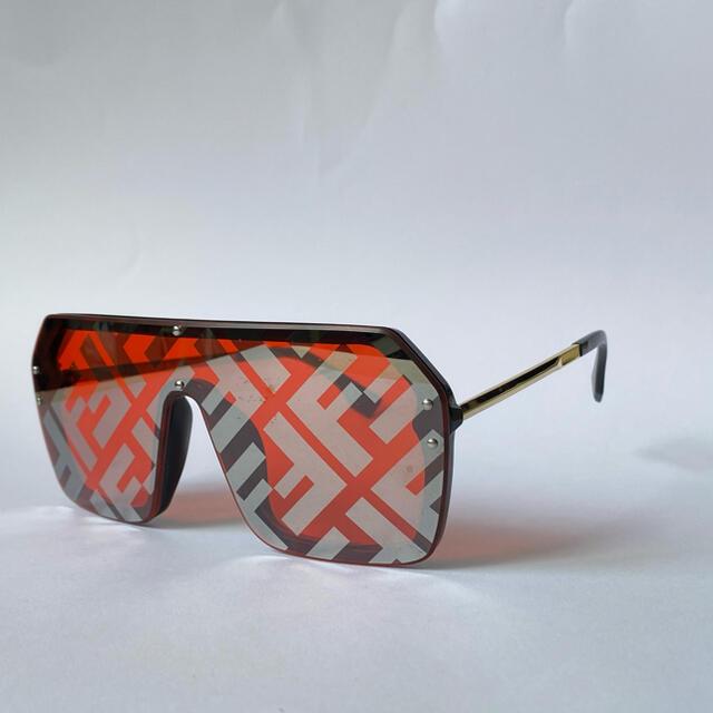 FENDI(フェンディ)の《used》FENDI サングラス ロゴデザイン ヴィンテージ  メンズのファッション小物(サングラス/メガネ)の商品写真