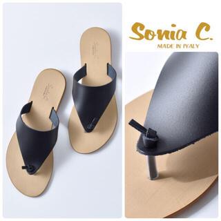 イエナ(IENA)のSonia C ノット レザー トングサンダル  新品 ブラック 24.5(サンダル)