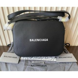 バレンシアガ(Balenciaga)の【新品 人気希少】Balenciaga エブリデイカメラバッグ Sサイズ(ボディバッグ/ウエストポーチ)