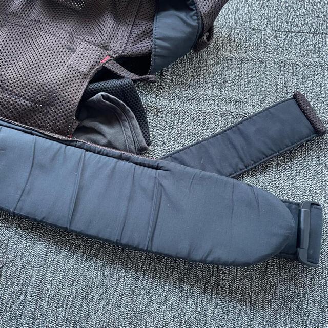BABYBJORN(ベビービョルン)のBaby bjorn ベビービョルン 抱っこ紐 One+Air ワンプラス 茶色 キッズ/ベビー/マタニティの外出/移動用品(抱っこひも/おんぶひも)の商品写真
