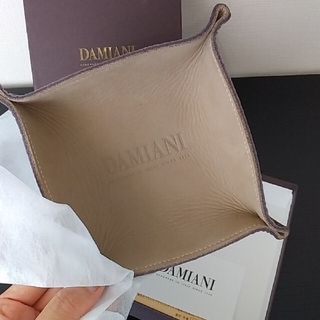 ダミアーニ(Damiani)のお値下げ♪【DAMIANI】レア!非売品⭐レザートレイ(小物入れ)