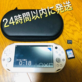 プレイステーションヴィータ(PlayStation Vita)のVita PCH-2000 Wi-Fiモデル 本体 メモリーカード おまけ付き!(携帯用ゲーム機本体)