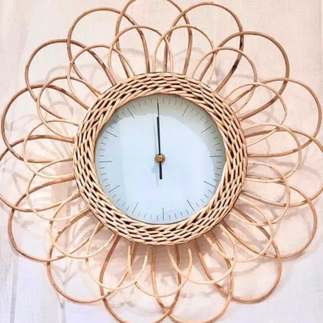 Francfranc(フランフラン)のラタン ウォールクロック インテリア/住まい/日用品のインテリア小物(掛時計/柱時計)の商品写真