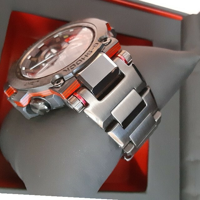G-SHOCK(ジーショック)の美品 CASIO G-SHOCK MTG-B1000XBD-1AJF メンズの時計(腕時計(アナログ))の商品写真