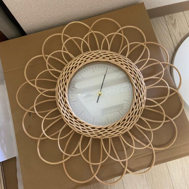 ラタン 時計 掛け時計 フラワー インテリア/住まい/日用品のインテリア小物(掛時計/柱時計)の商品写真