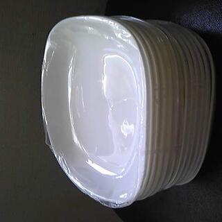 ヤマザキセイパン(山崎製パン)の山崎春のパンまつり arc白いお皿セット スクエア12枚+花型7枚 【未使用】(食器)