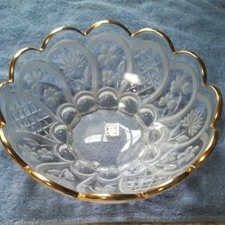 ▪ 未使用 ▪ SOGA 曽我 ガラスボウル 金縁が効いた 華やか柄で用途多彩(食器)