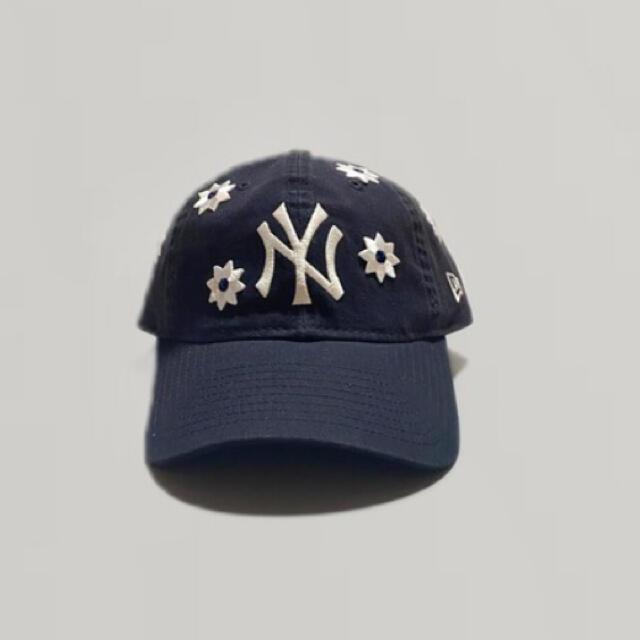 NEW ERA(ニューエラー)のVEGA store Flower Cap new era ネイビー メンズの帽子(キャップ)の商品写真