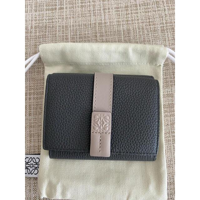 LOEWE(ロエベ)のロエベ トライフォールドウォレット ミニ財布 レディースのファッション小物(財布)の商品写真