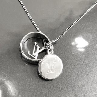 ルイヴィトン(LOUIS VUITTON)の正規品 ヴィトン ネックレス リング モノグラム シルバー 銀 チェーン 指輪(ネックレス)