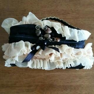 ラブリー フリル 黒黄 ハート型ファスナーピン化粧ポーチ(メイクボックス)