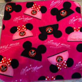 ディズニー(Disney)のディズニー タオルハンカチ ピンク 黒 ミッキー ミニー 帽子(ハンカチ)