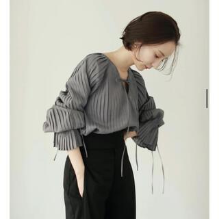 トゥデイフル(TODAYFUL)のall pleats volume blouse(シャツ/ブラウス(長袖/七分))