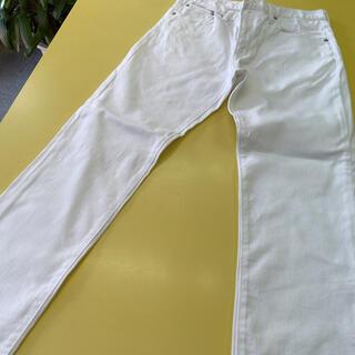 ジーユー(GU)のGU ホワイトジーンズ 30インチ(デニム/ジーンズ)