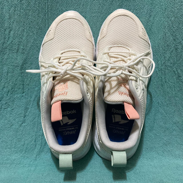 Reebok(リーボック)のリーボック CN2086 レディースの靴/シューズ(スニーカー)の商品写真
