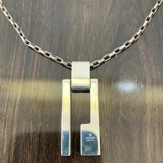 Gucci - GUCCI Gロゴプレート ネックレス