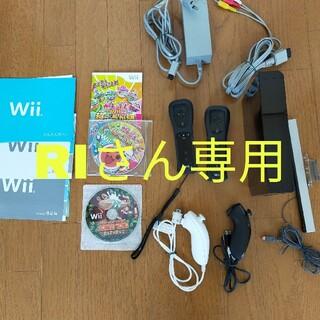 Wii - Wiiのゲームソフト付き、リモコン&ヌンチャク2個付きセット