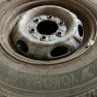 ニッサン(日産)のnv350純正タイヤホイール付き(タイヤ・ホイールセット)