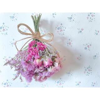 ピンクのバラのドライフラワースワッグ♡ミニブーケ (ドライフラワー)