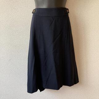 バーバリー(BURBERRY)のエレガントデザインが素敵♪バーバリースカート(ひざ丈スカート)